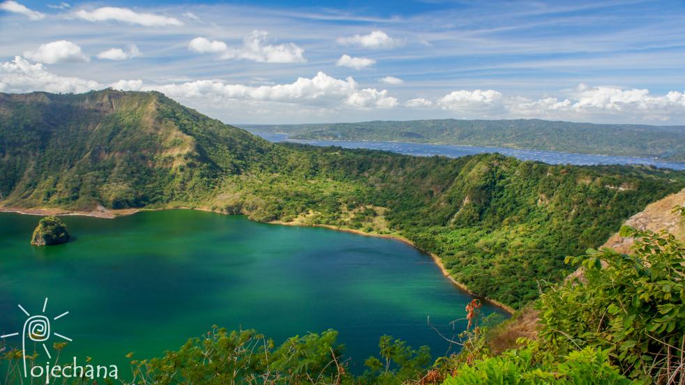 jezioro w kraterze wulkanu