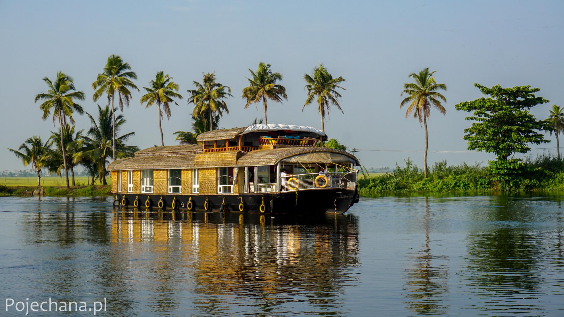 Kerala Backwaters - Houseboat