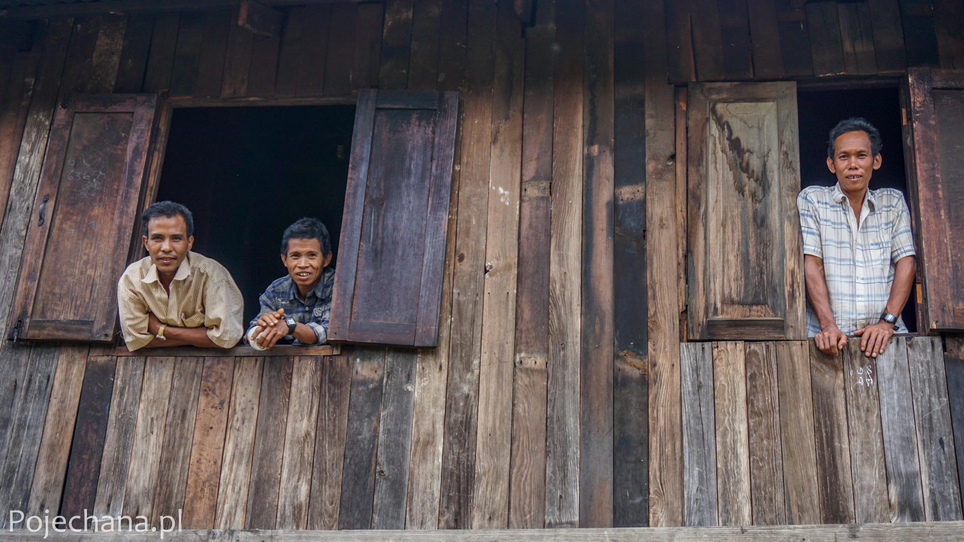 mężczyźni z ludu Shan